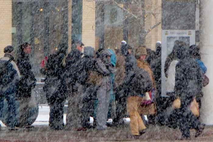 rider queue in snow