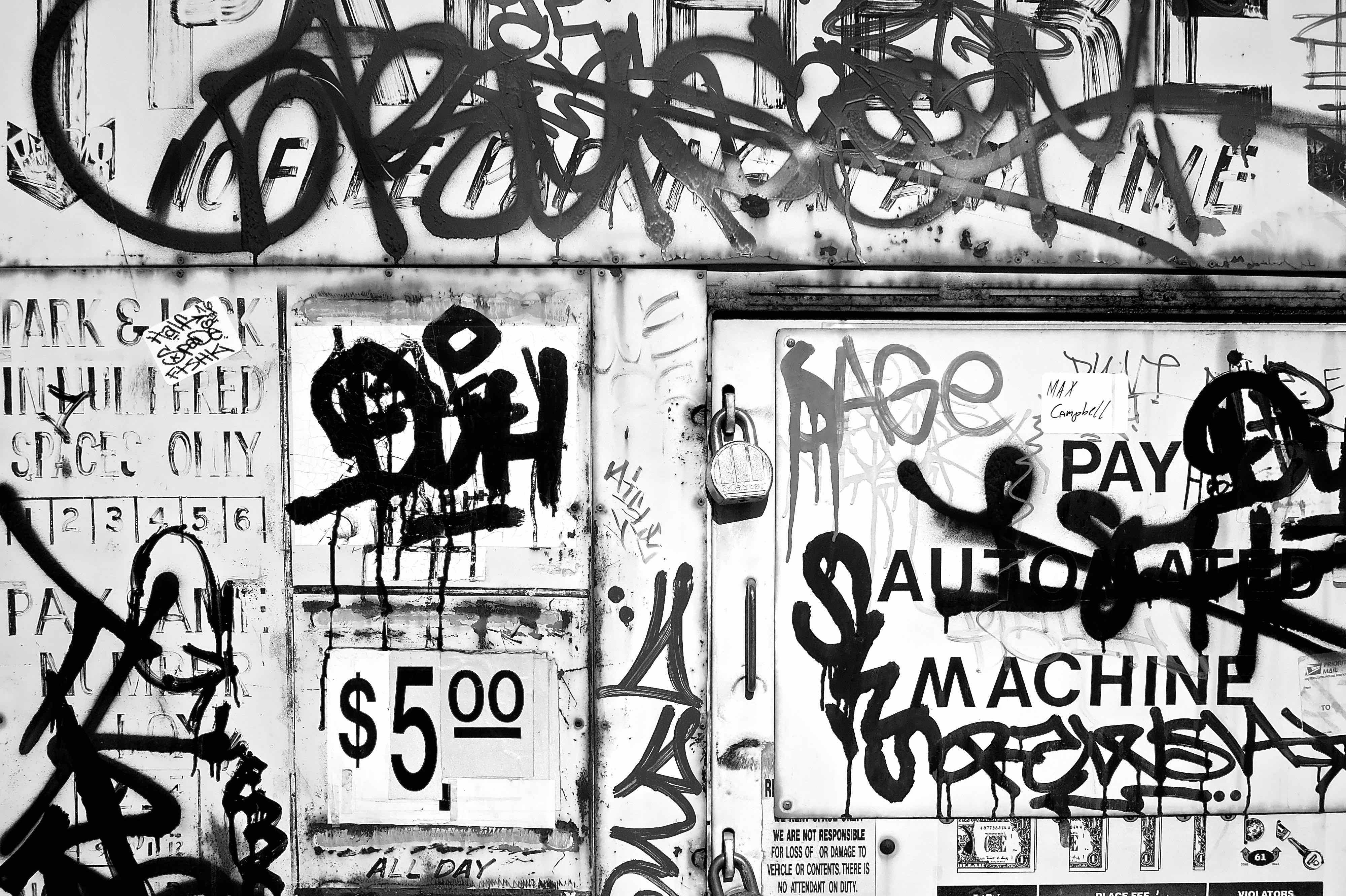 Graffiti bw